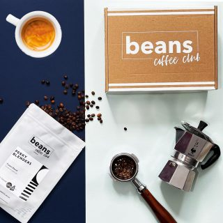 ⭐️⭐️⭐️NEW ROASTER ALERT⭐️⭐️⭐️ . We are super happy to announce @perkyblenders have joined as our latest roasting partner from today. All their coffees can now be enjoyed by our members and will feature in all new and existing subscriptions. . Perky are an award-winning East London Roastery and coffee shop chain. They were founded in 2015 and have won fine food awards and been voted best place to eat by Time Out. You can also find there coffee stocked in Whole Foods. . Look out for them coming through your letterbox soon. . Congratulations to our giveaway winner @merrimanjack who correctly identified Perky Blenders as the new roaster in our social giveaway. We'll be in touch to help you claim your two bags of perky coffee. . #specialitycoffee #specialityroaster #coffeeclub #coffeesubscription #coffeeuk #freshlyroasted